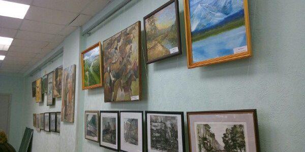 В модельной детской библиотеке №22 г.Уфы работает передвижная выставка Мемориального дом-музея Мажита Гафури