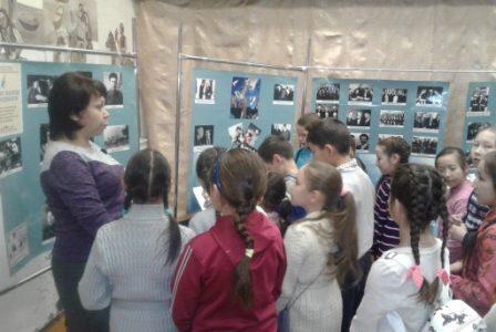 В Абзелиловском историко-краеведческом музее работает передвижная выставка НЛМ РБ, посвященная жизни и творчеству Мустая Карима