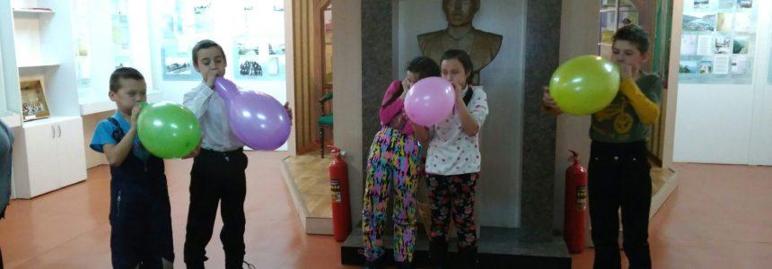22 февраля в музее М.Уметбаева была организована развлекательно-игровая программа «А ну-ка, парни!».