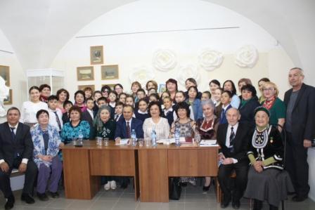 4 апреля в Мемориальном доме-музее М.Гафури состоялась встреча с известной поэтессой Альфией Асадуллиной