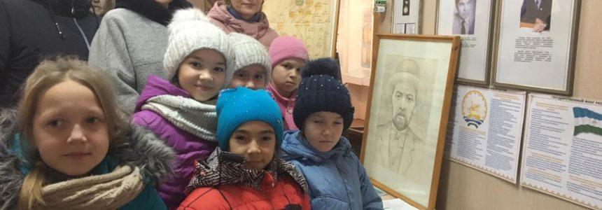 С 15 по 19 ноября 2019 года в музее М. Уметбаева работала выставка книг «Творчество М. Уметбаева»