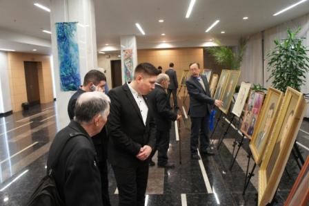 НЛМ РБ организовал в фойе ГКЗ «Башкортостан» выставку портретов председателей правления Союза писателей РБ разных лет