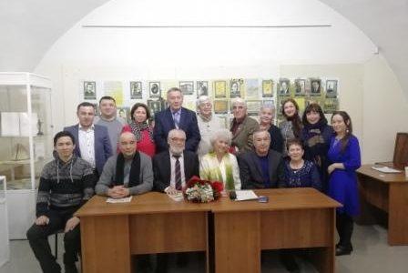 """Мәжит Ғафуриҙың мемориаль йорт-музейында билдәле драматург, прозаик Наил Ғәйетбайҙың""""Бабич"""" романы буйынса китап уҡыусылар конференцияһы уҙғарылды"""